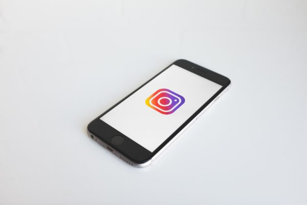 Comment bloquer les invitation de messages groupés sur Instagram ?