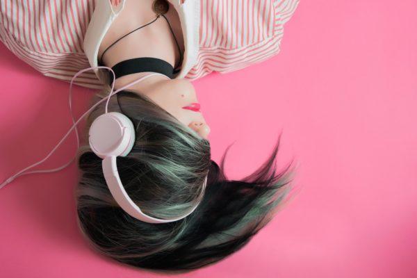Clubhouse, podcasts, voicesearch, assistant vocal, audiobooks et messages vocaux : le boom de l'audio, nouvel Eldoraudio ?
